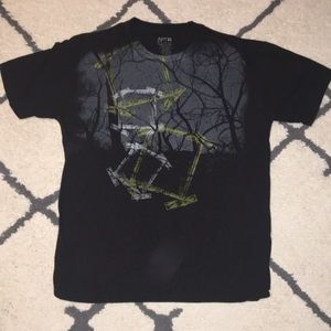 Apt. 9 size large 100% cotton black graphic tee